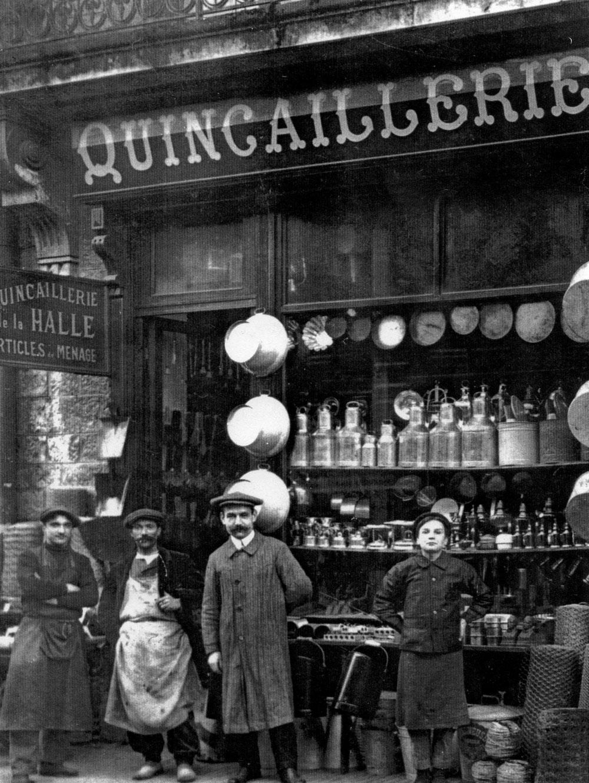 La boutique Uhart de Biarritz en 1912, aux Halles de Biarritz